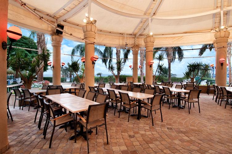 Ebony - Pool Restaurant & Bar
